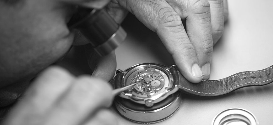 Watch Servicing and overhaul
